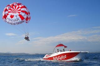 Vol en bateau parachute à Saint Raphaël